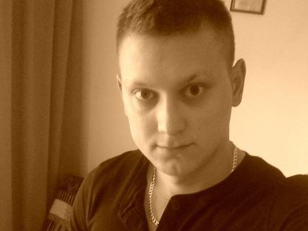 Korisničko ime: Zoki Godina: 25 Grad: Beograd / Srbija O sebi: Fin dečko, normalan, lepo građen, neiskusan, želim da upoznam kulturnog i šarmantnog momka radi druženja i veze. Može i neka prolazna varijanta ako ne budem imao sreće da pronađem […]