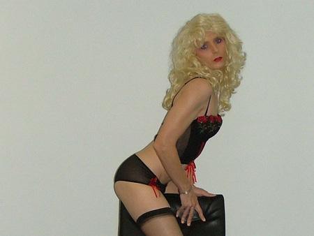 Korisničko ime: Hota Godina: 31 Grad: Niš / Srbija O sebi: Ako želiš perverzan sms chat sa zgodnom obdarenom transeksualkom (vidi slike), javi mi se, garantujem da te neću razočarati. Za početak sms a kasnije i uživo! Želiš me? Pošalji […]